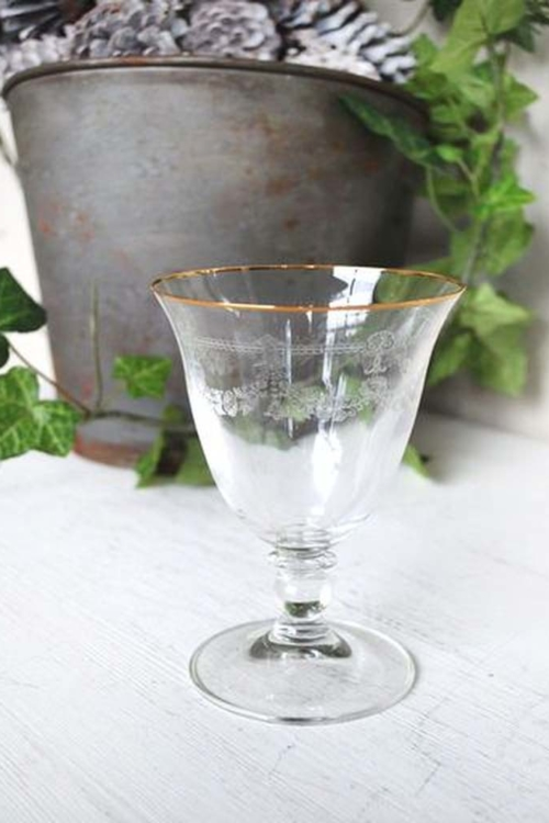 """WINE GLASS """"ST JACQUES"""" WITH GOLD"""